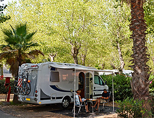 Shaded campsite marseillan.