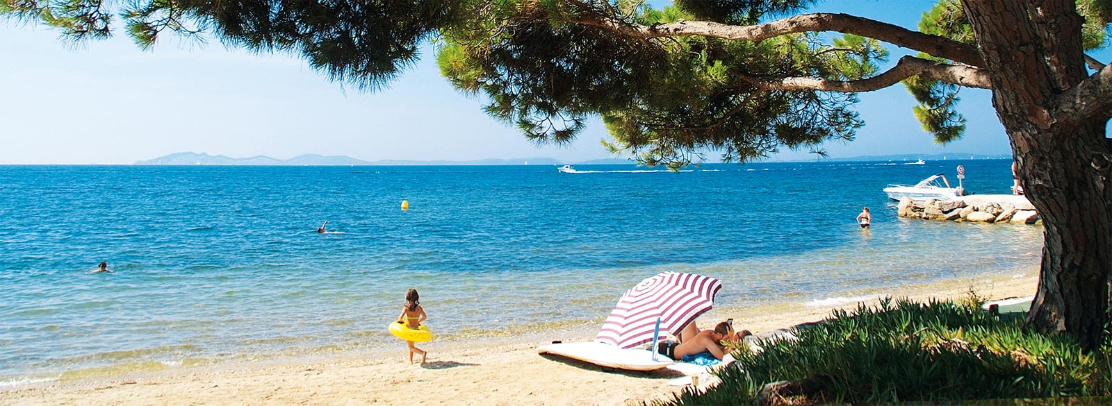 camping massif des maures - emplacement tente du camping