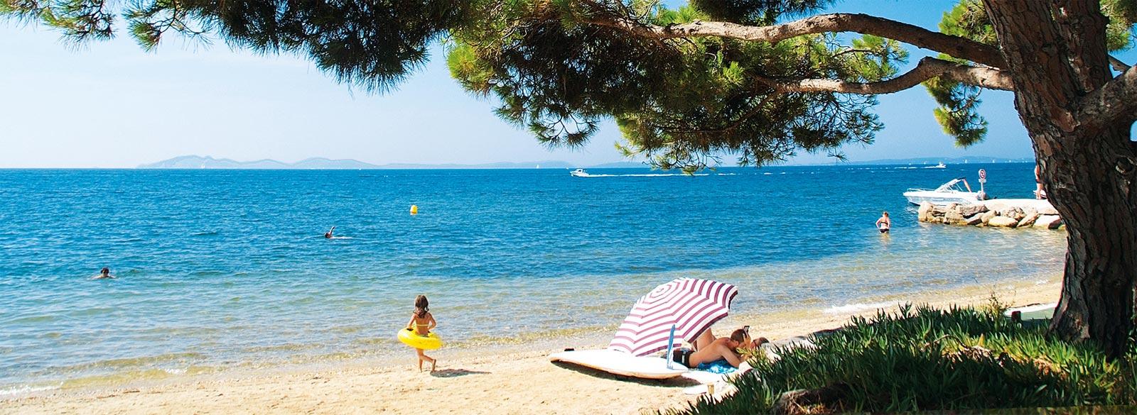 kamperen op het strand massif des maures