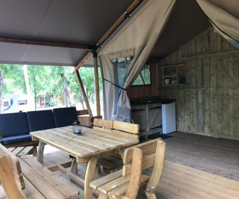 camping with shaded sites in perigord noir