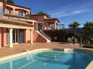 location saisonniere maison proche bormes les mimosas - location maison piscine